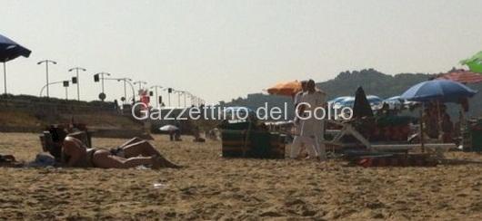 capitaneria gaeta in azione sulla spiaggia