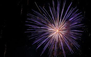 Sequestrati 25 kg di fuochi d 39 artificio dalla gdf di for Capodanno romantico per due