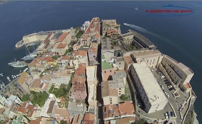 Incontro in Comune a Gaeta sull'avvio della Ztl nel centro storico Medievale