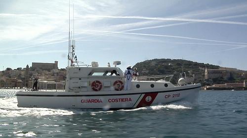 Gaeta, praticano sci nautico in porto: beccati e sanzionati