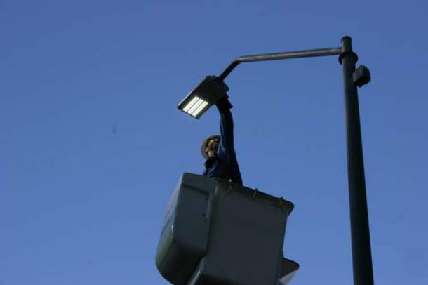 Pubblica illuminazione, prosegue l'efficientamento energetico nel quartiere di Serapo