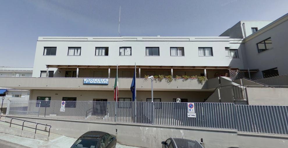 Droga, contanti e armi giocattolo: La polizia di Formia arresta tre persone