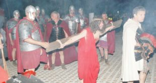 La Passione di Gesù: suggestiva rappresentazione a Gaeta (#foto)