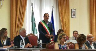 Gaeta, si insedia il nuovo Consiglio Comunale: il Sindaco Mitrano giura (Video)