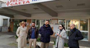 Blitz del candidato presidente di CasaPound agli ospedali di Minturno e Gaeta