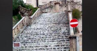 Nubifragio a Gaeta, la scalinata di S.Francesco diventa una cascata