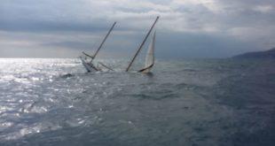 Gaeta, affonda al largo di Serapo barca a vela d'epoca