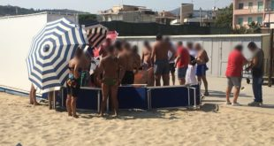 Gaeta, uomo colto da malore sulla spiaggia di Serapo