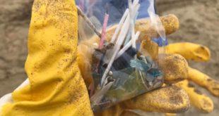 """""""Il Mare d'Inverno"""" a Fondi, volontari impegnati a pulire le spiagge"""