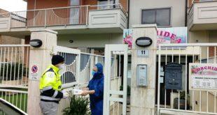 Continua la distribuzione di mascherine all'interno della città di Formia