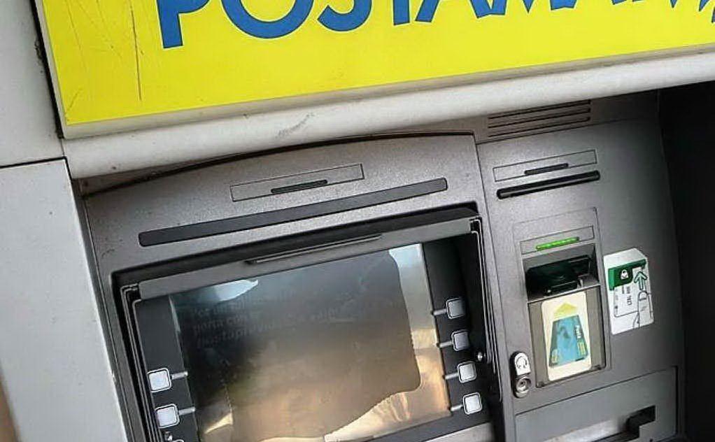 Formia, ruba le credenziali e preleva contante da c/c postale