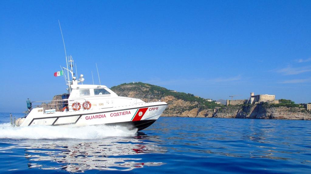 Guardia Costiera di Gaeta: attività di controlli lungo il litorale. Sanzionati tre operatori balneari
