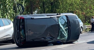 Incidente a Formia, auto si ribalta in via Unità D'Italia